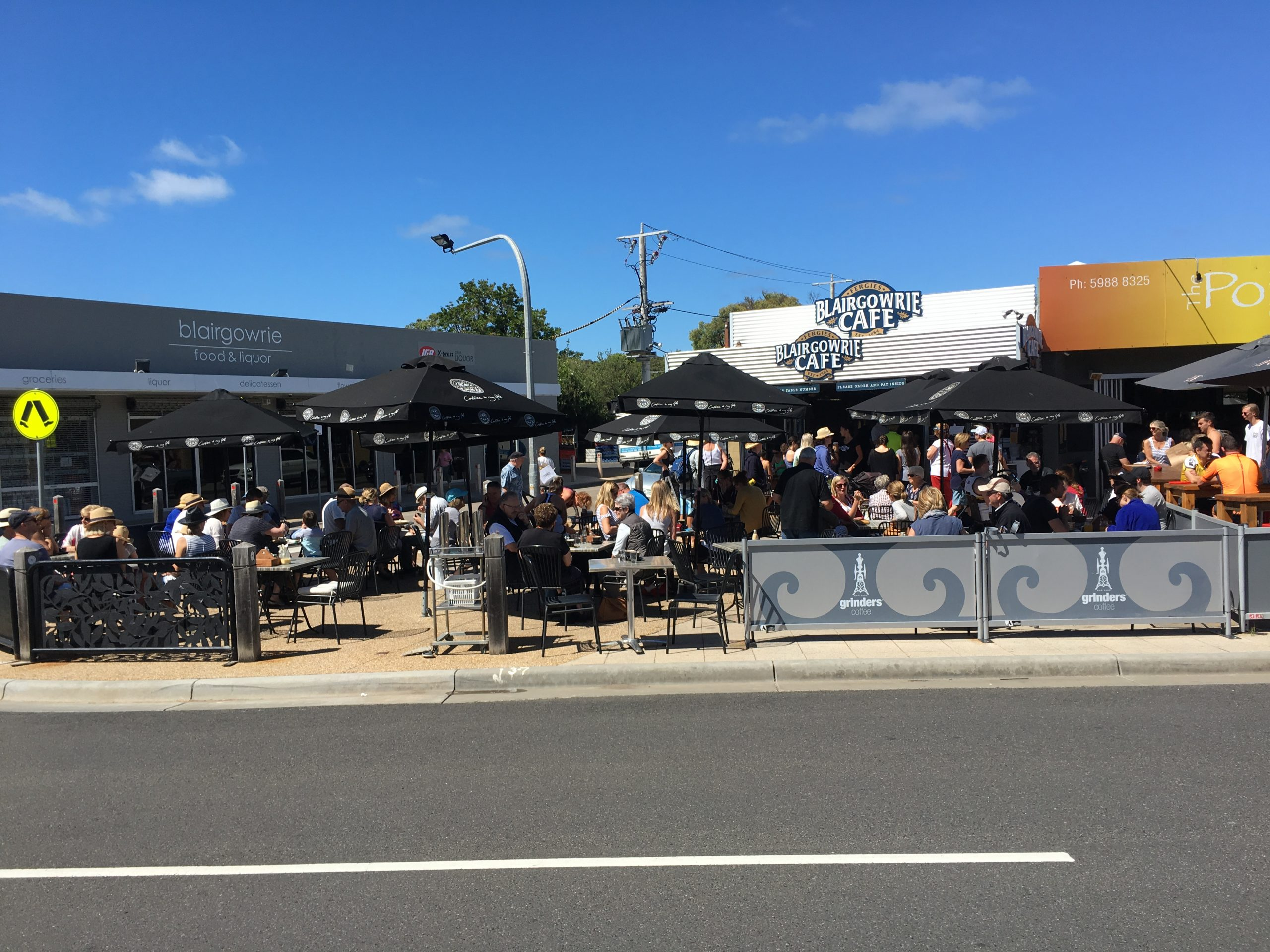 blairgowrie cafe outside